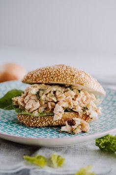 Mega saftiger Pulled Lachs Burger mit Senf-Dill Marinade (ähnlich wie Pulled Pork) - Zuckermoment