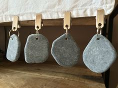 Boxed Set Of Four Pebble Tablecloth Weights Metal Clips BBQ Garden Accessory