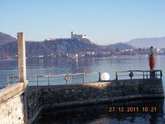 Arona panorama sulla Rocca di Angera
