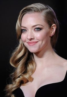 Amanda Seyfried Side Hairstyles
