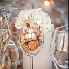 wine glass center piece I would use a different flower Wine Glass Centerpieces, Wine Bottle Candles, Party Centerpieces, Centrepieces, Oversized Wine Glass, Large Wine Glass, Diy Wine Glasses, Decorated Wine Glasses, Pumpkin Wine