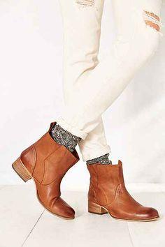 Ecote Side Overlap Boot $99