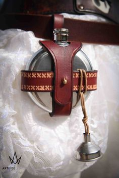 Flask holster in leather for belt by ArteideStudio on Etsy