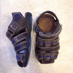 Toddler boy sandals size 6 Cute sandals for toddler boys in size 6. No stains, no tears. Great condition. Brown Shoes