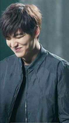 Hot smile of lee min ho Heo Joon Jae, Jun Ji Hyun, Jung So Min, Lee Jong Suk, Korean Celebrities, Korean Actors, Lee Min Ho Smile, Lee Min Ho Abs, Lee Min Ho Boys Over Flowers