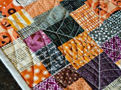 bijou lovely: halloween decorating -- Spiderweb Quilting, GAH!!!