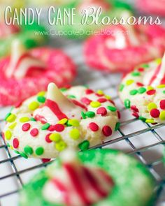 21 Christmas Cookies Kids Can Bake Candy Cane Blossoms from Cupcake Diaries Christmas Cookies Kids, Christmas Goodies, Holiday Cookies, Holiday Treats, Christmas Treats, Christmas Candy, Grinch Cookies, Holiday Gifts, Cookie Recipes For Kids