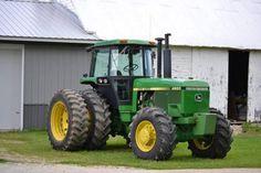 John Deere 4650 Tractor  http://www.heavyequipmentregistry.com/heavy-equipment/13129.htm