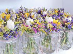 Διακόσμηση Στολισμός Γάμου Welcome Table, Wedding Rings For Women, Wedding Details, Wedding Flowers, Glass Vase, Table Decorations, Bridal, Outdoor, Vintage