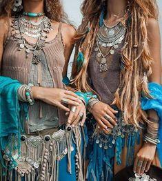 sisters, boho, ritual