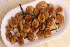 Golden Roasted Potatoes #RoastedPotatoes #PotatoRecipe