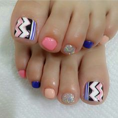 Pedicure Nail Art Design, If you've got hassle decisive that color can best suit your nails, commit to mirror this season or your mood! Pedicure Designs, Pedicure Nail Art, Toe Nail Designs, Toe Nail Art, Pretty Toe Nails, Cute Toe Nails, Love Nails, My Nails, Feet Nails