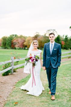 Photography: Kelly Dillon Photography - kellydillonphoto.com  Read More: http://www.stylemepretty.com/2015/03/31/raspberry-gold-wedding-at-the-villa/