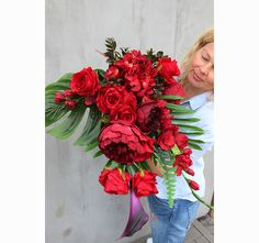 bukiet / dekoracja nagrobna Ekskluzywna Czerwień Funeral Flowers, Glass Vase, Floral Wreath, Wreaths, Home Decor, Navidad, Flower Crown, Decoration Home, Door Wreaths