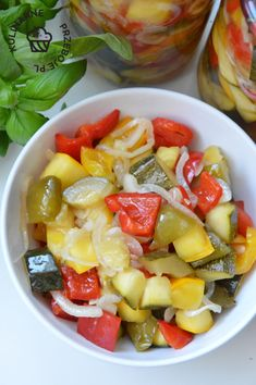 przetwory z cukinii Fruit Salad, Spaghetti, Food And Drink, Tables, Fruit Salads, Noodle