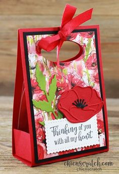 Learn how to make the Peaceful Poppies Gift Box with Chic n Scratch, Stampin' Up! Demonstrator Angie Juda My project for you today is this Gift Box with a Creative Gift Wrapping, Creative Gifts, Scrapbooking Original, Tarjetas Stampin Up, Poppy Cards, Stamping Up Cards, Flower Cards, Craft Fairs, Clipart