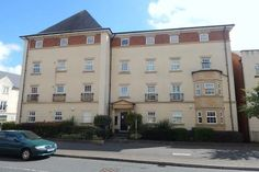 3 bedroom flat for sale in Redhouse Way, Swindon