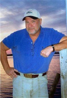 Great Florida author in the genre of John D MacDonald