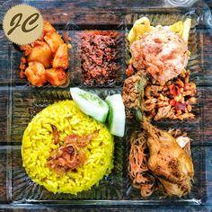 Nasi Kotak Paket 7   Jasa Catering Catering, Snack Box, Cobb Salad, Menu, Snacks, Food, Menu Board Design, Appetizers, Catering Business