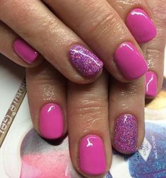 50 Gorgeous Summer Nail Designs You Need To Try With a million different ways to paint your nails- how could you choose? These are some of the most gorgeous summer nail designs you need to try! Fancy Nails, Love Nails, Diy Nails, How To Do Nails, Pretty Nails, Pink Shellac Nails, Pink Sparkle Nails, Fake Gel Nails, Glitter Accent Nails