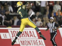 WK 8 - Eskimos 15 - Mtl 12 - Edmonton Eskimos #7 Kenny Stafford makes a touchdown during Canadian Football League game against the Alouettes in Montreal Thursday August 13, 2015.