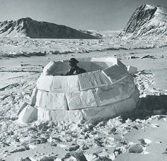 from Building an Igloo by Ulli Steltzer (text and photos), Douglas & McIntyre, Toronto, 1981