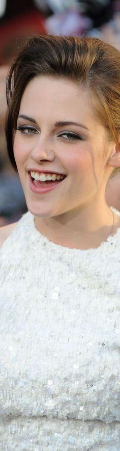 Kirsten Stewart i want skin like hers! it is FLAWLESS!