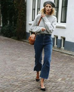 #frenchchic #simplestyle #simpleoutfit #simplefashion #frenchstyle #frenchfashion #parisienne #fashionblogger #fashionblog #parisfashion #outfitideas #fashionmagazine #casual #streetstyle #lovefashion #outfitinspiration #outfitinspo #streetfashion #parisjetaime #frenchmodel #styleguide #styleicon #paris #effortless