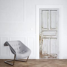 Deursticker Houtpatroon A & # makeover & # voor je deur. - Lilly is Love Door Stickers, Different Textures, Oversized Mirror, Accent Chairs, New Homes, Doors, House Styles, Interior, Bedroom