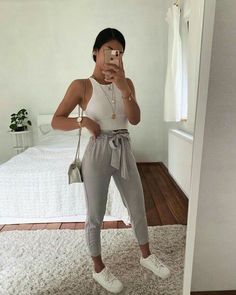 (notitle) Cute Shoes With Women Fall Outfits Source by thepinmag shoes with j . 20 Cute Shoes With Women Fall Outfits Source by thepinmag Cute Comfy Outfits, Simple Outfits, Classy Outfits, Pretty Outfits, Stylish Outfits, Sporty Outfits, Teen Fashion Outfits, Outfits For Teens, Fall Outfits