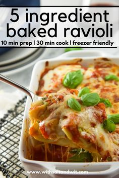 You will fall love with this 5 Ingredient Healthy Baked Ravioli Recipe! It is an easy family friendly dinner idea that can be on your table in 30 minutes! It holds well so it is an easy healthy recipe for new moms or to meal prep for the week! Slow Cooker Freezer Meals, Healthy Freezer Meals, Healthy Weeknight Dinners, Healthy Family Meals, Healthy Pasta Recipes, Healthy Pastas, Ravioli Bake, Baked Ravioli, Ravioli Recipe