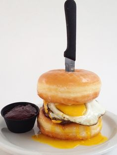 Death By Breakfast: Slater's 50/50 Introduces The Donut Burger. Heart attack but soooooo yummy looking!