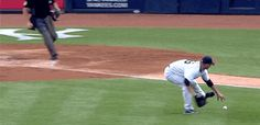 Pro thrower Andy Pettitte also had throwing difficulties.   The 89 Funniest Sports GIFs Of 2013