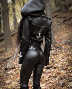 Black hoody moto jacket with leather tight pants Sexy Outfits, Fall Outfits, Sharon Ehman, Fashion Moda, Womens Fashion, Emo Fashion, Gothic Fashion, Chica Fantasy, Leather Pants