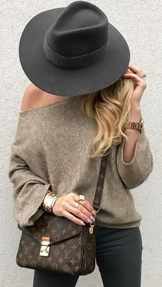#fall #outfits Black Hat // Shoulderless Sweater // Black Skinny Jeans // Shoulder Bag