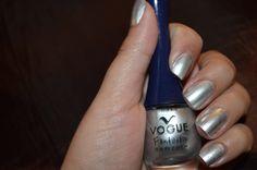 MADRE PERLA Manicure Ideas, Ideas Para, Nail Polish, Nails, Beauty, Finger Nails, Nail Designs, Pearls, Make Up
