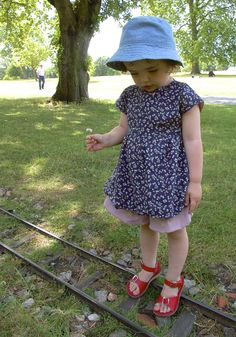 Simple tunic or dress pattern – Made by Toya Little Girl Dress Patterns, Baby Girl Patterns, Baby Girl Dress Patterns, Baby Clothes Patterns, Kids Patterns, Little Girl Dresses, Clothing Patterns, Tunic Pattern, Free Pattern