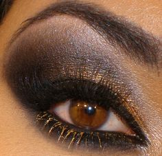 New style makeup in Gold and Black Eye