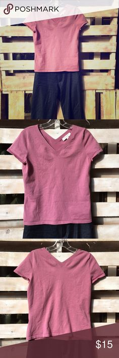 Ann Taylor Pink V neck short sleeve sweater Ann Taylor Pink V neck short sleeve sweater. PM fits like Small. Ann Taylor Sweaters