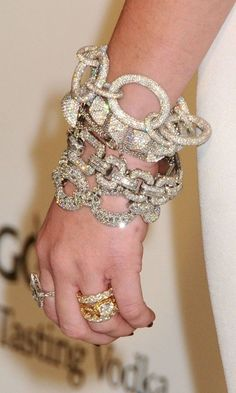 Miley Cyrus in Lorraine Schwartz jewelry at the  ...