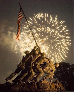 Fireworks over Iwo Jima Memorial