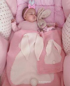 Boa noite com fofura Via . Baby Kind, Baby Love, Baby Baby, Little Babies, Cute Babies, Crochet Bebe, Crochet Pattern, Cute Baby Pictures, Baby Accessories