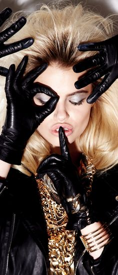 Jewelry Black Gold Hailey Clauson Black Gloves and gold Black Gloves, Leather Gloves, Hailey Clauson, Black Gold Jewelry, Angel Wing Earrings, Cool Style, My Style, Halloween Face Makeup, Glamour