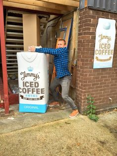 @jenjensl and I popped over to visit my man @jimmyicedcoffee this morning. Always fun visiting! #KYCU #cantopenit