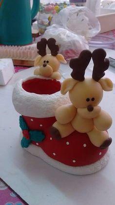 Polymer Clay Christmas, Cute Polymer Clay, Cute Clay, Polymer Clay Projects, Polymer Clay Creations, Christmas Cake Topper, Felt Christmas Decorations, Christmas Time, Christmas Crafts
