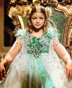 return to oz - Princess Ozma Movie Costumes, Halloween Costumes, Halloween Decorations, Monster High Doll Clothes, All Disney Princesses, Hollywood Costume, Dream Fantasy, Land Of Oz, Dapper Day