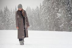 Im Schnee mit Loden. Canada Goose Jackets, Raincoat, Winter Jackets, Fashion, Snow, Rain Jacket, Winter Coats, Moda, La Mode
