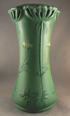 VERY LARGE WELLER MATTE GREEN FLORAL ADORNED POTTERY VASE RETICULATED RIM EARLY