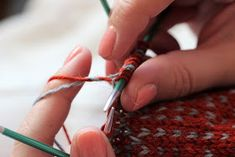 Sweet things: Kymmenen vinkkiä onnistuneeseen kirjoneuleeseen Knitted Hats, Diy Crafts, Knitting, Pattern, Jewelry, Jewlery, Tricot, Bijoux, Knit Caps