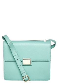 Everyone should invest in a pastel satchel this Spring - we will be! From @Zalando UK